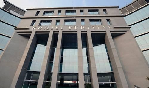 dasar hukum komisi yudisial
