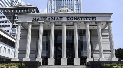 dasar hukum mahkamah konstitusi (mk)